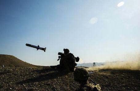 Военные с противотанковой системой Javelin.