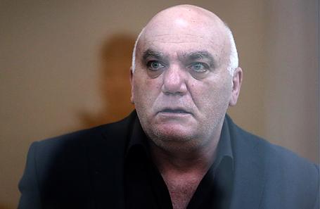 Предприниматель Арам Петросян, обвиняемый в захвате заложников в отделении «Ситибанка» в центре Москвы, перед началом оглашения приговора в окружном военном суде, 7 сентября 2017.