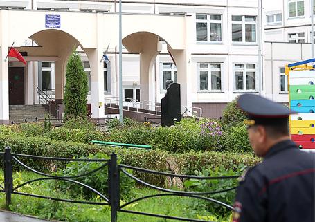 Здание школы №1 в Ивантеевке, где ученик 9 класса открыл стрельбу.