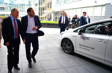 Президенту РФ Владимиру Путину показали беспилотник во время посещения главного офиса компании «Яндекс», которой исполняется 20 лет.