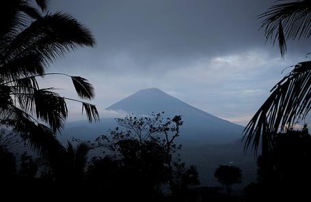 Вулкан Агунг.
