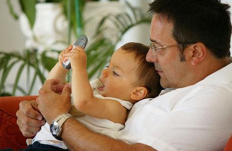 Папа и дочь пока мама на работе
