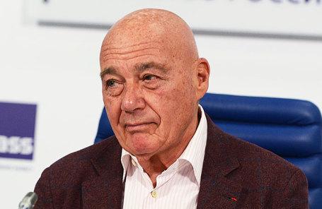 Телеведущий Владимир Познер.