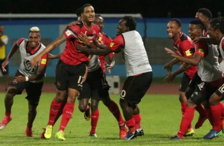 Сборная Тринидада и Тобаго в матче с США.