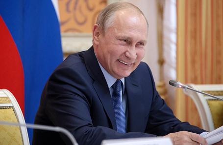 Президент РФ Владимир Путин во время совещания по вопросам развития сельского хозяйства в Воронеже, 13 октября 2017.
