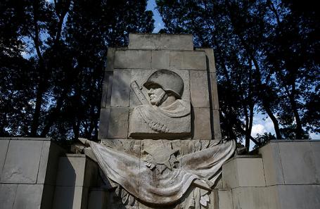 Памятник благодарности Красной армии в Варшаве, Польша.