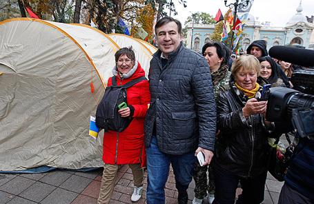 Михаил Саакашвили на митинге у здания Верховной рады Украины в Киеве.