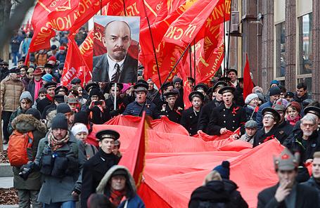 Шествие сторонников КПРФ в Москве, 7 ноября 2017.