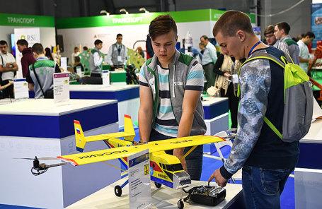 Участники IV Национального чемпионата сквозных рабочих профессий высокотехнологичных отраслей промышленности WorldSkills.