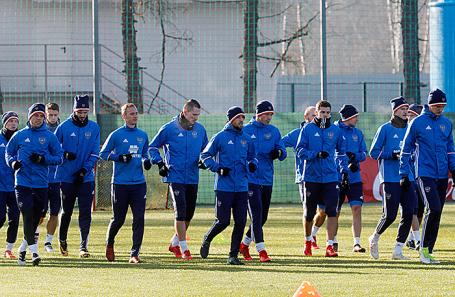 Тренировка сборной России по футболу перед товарищеским матчем со сборной Аргентины, 9 ноября 2017.