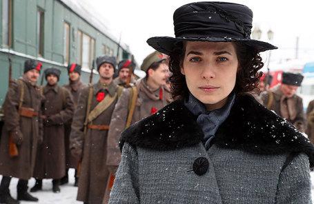 Актриса Юлия Снигирь во время съемок многосерийного фильма НТВ по мотивам романа Алексея Толстого «Хождение по мукам».
