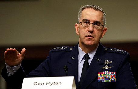 Глава Стратегического командования ВВС США Джон Хайтен.