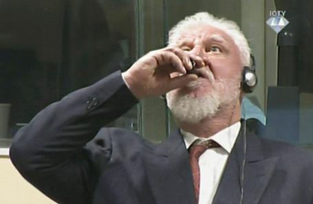 Слободан Праляк во время слушания в Трибунале по военным преступлениям США в Гааге.