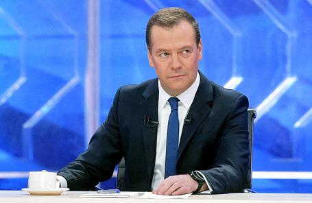 Руководство несомненно поможет отстраненным отИгр-2018 олимпийцам— Медведев