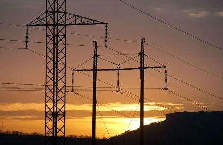 Линии электропередач в Симферопольском районе.