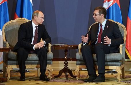 Президент России Владимир Путин и председатель правительства Сербии Александр Вучич (слева направо).