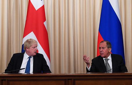 Министр иностранных дел Великобритании Борис Джонсон и министр иностранных дел РФ Сергей Лавров (слева направо).