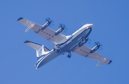Крупнейший вмире самолет-амфибия совершил 1-ый тестовый полет