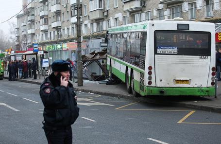 ДТП с участием автобуса на ул. Сходненская, 29 декабря 2017.