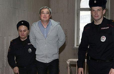Вячеслав Гайзер (в центре).