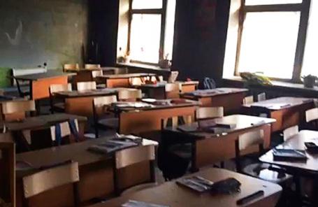 Класс школы №5, в котором совершено нападение, в военном поселке Сосновый Бор.