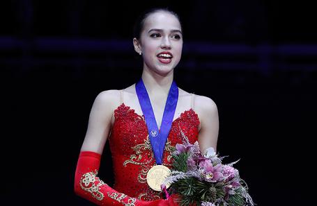 Алина Загитова на чемпионате Европы по фигурному катанию в Москве.