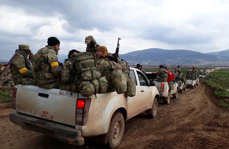 Турецкие военнослужащие на турецко-сирийской границе.