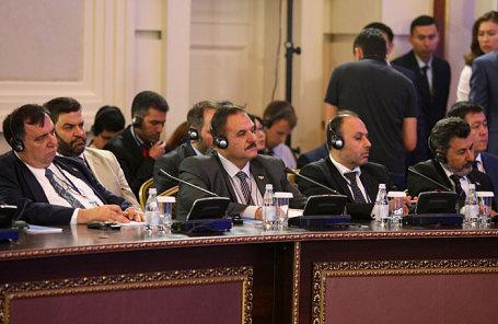 Члены делегации сирийской оппозиции.