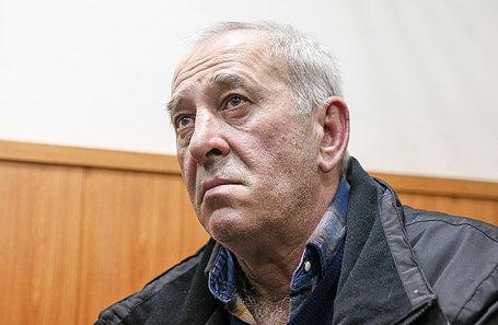 Виктор Тихонов.