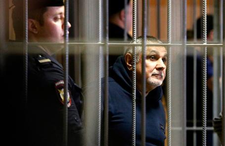 Захар Калашов, известный также как Шакро Молодой, обвиняемый в вымогательстве 8 миллионов рублей у владельца одного из столичных ресторанов.