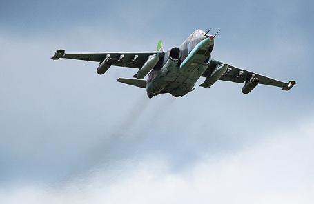 Самолет Су-25.