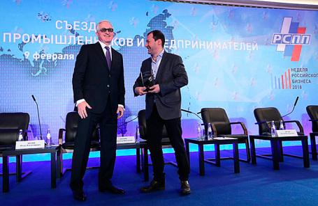 Президент РСПП Александр Шохин (слева) и главный редактор Business FM Илья Копелевич.