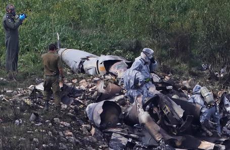 На месте падения израильского истребителя F-16.