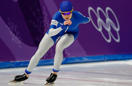 Олимпийская спортсменка из России Наталья Воронина во время забега на 3000 метров среди женщин на соревнованиях по конькобежному спорту на XXIII зимних Олимпийских играх.