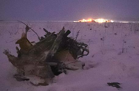 На месте крушения самолета АН-148 «Саратовских авиалиний», 11 февраля 2018.