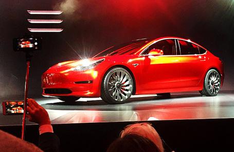 Tesla Model 3.