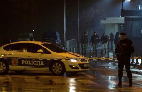 После взрыва у посольства США в Черногории.