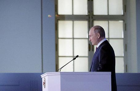 Президент России Владимир Путин во время выступления с ежегодным посланием к Федеральному Собранию РФ.