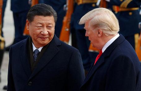 Председатель КНР Си Цзиньпин (справа) и президент США Дональд Трамп.