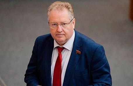 Секретарь ЦК КПРФ Сергей Обухов.