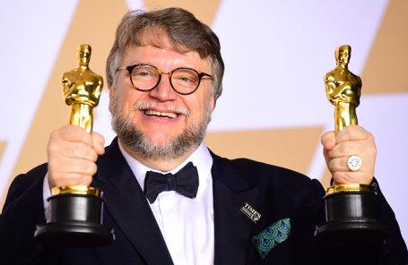 Режиссер Гильермо дель Торо , победивший в номинации «Лучшая режиссёрская работа» за работу в фильме «Форма воды», на 90-й церемонии вручения кинопремии «Оскар».