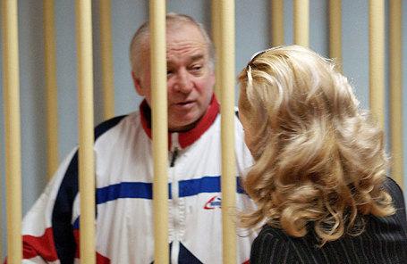 Полковник запаса Сергей Скрипаль, обвиняемый в шпионаже, в зале Московского окружного суда. 2006 год.