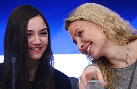 Двукратный серебряный призер XXIII зимних Олимпийских игр Евгения Медведева и тренер Этери Тутберидзе