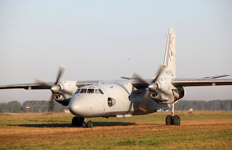 Российский военно-транспортный самолет Ан-26.