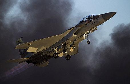 Истребитель F-15.