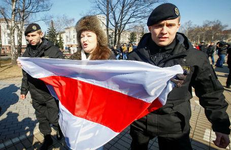 Задержание участницы Дня Воли в Минске, 25 марта 2018 года.
