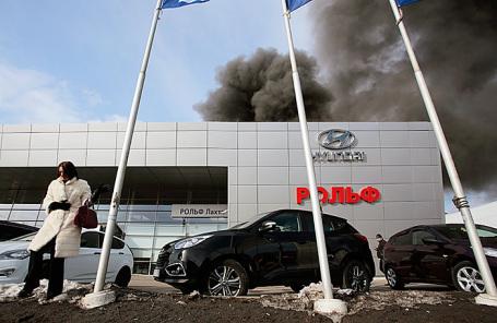 Пожар в здании дилерского центра «Рольф Лахта Hyundai».