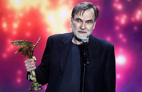 Режиссер, продюсер Сергей Сельянов, получивший приз за актрису Ирину Горбачеву (номинация «Лучшая женская роль», фильм «Аритмия»), на 31-й церемонии вручения наград Национальной кинематографической премии «Ника» в Vegas City Hall.