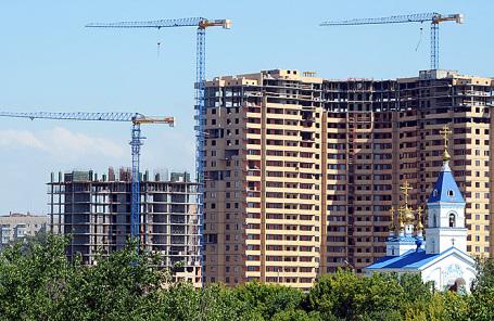 Вид на строящийся жилой дом в Ростове-на-Дону.