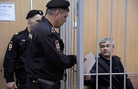 Рассмотрение в Тверском суде ходатайства следствия о продлении ареста Али Абянову, фигуранту дела о поставке крупной партии кокаина из Аргентины в Россию.